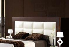 Tétes de lits et lits en bois et Simili Cuir: modèle SHERATON REX.