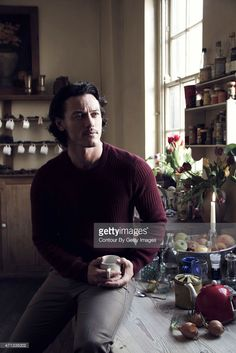 Actor Luke Evans is photographed on March 29, 2014 in London, England. Fotografia de notícias | Getty Images