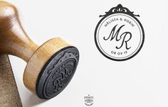 Tampon Mariage Baroque personnalisé avec vos prénoms et initiales Ink Stamps, Custom Stamps, Tampons, Weddings, Decoration, Manualidades, Baroque Wedding, Plush Rocking Horse, Personalized Wedding