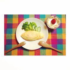 出来上がりはお店みたい♡「ポリ袋」で作るオムレツがすごい! - Locari(ロカリ)