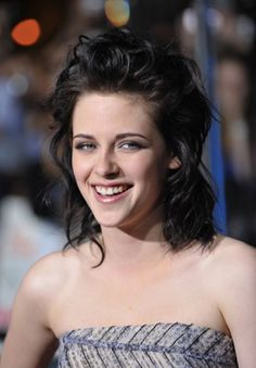 There's something so weird and insane about Kristen Stewart's hair.