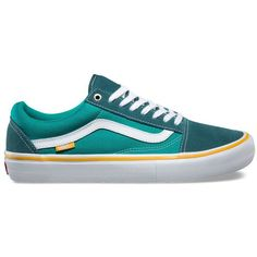 Vans Old Skool Pro ($65) ❤ liked on Polyvore featuring men's fashion and green