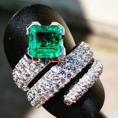 Anello smeraldo e pave di brillanti.. #emerald #diamonds #jewellery #handmade