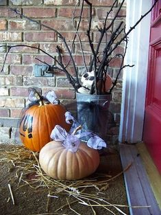 spooky outdoor decorations for the halloween night - Simple Outdoor Halloween Decorations