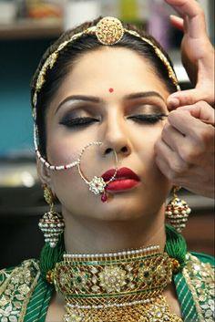 Designer jewelry of Baisa Raj Hukum Indian Wedding Jewelry, Bridal Jewelry, Indian Bridal, Rajasthani Bride, Marriage Makeup, Kundan Bangles, Rajputi Jewellery, Bridal Makeover, Jewelry Design