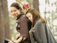 Find images and videos about sisters, narnia and georgie henley on We Heart It - the app to get lost in what you love. Susan Pevensie, Lucy Pevensie, Edmund Pevensie, Narnia Cast, Narnia 3, Narnia Movies, Narnia Prince Caspian, Anna Popplewell, William Moseley