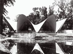 Le béton en architecture / Restaurant Los Manantiales, Mexico, Mexique, 1958, Félix Candela. © Courtesy Institution of Civil Engineers