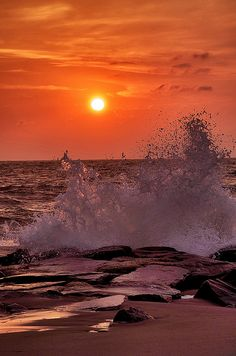 sunset with splashing off rocks by kcollier09, via Flickr #sea #ocean