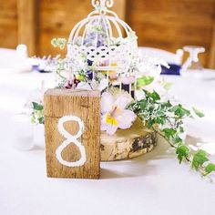 Olha que ideia fofa de marcador de mesa! Perfeito para um casamento rústico ou miniwedding! #casamento #casarpontocom #casar #decoracao #noivas #noivas2016 by casarpontocom