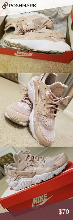 5556fb439299 Nike Air Huarache Run Beige Shoes are worn once