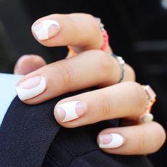 Super cool clean negative space nails : @nail_unistella #nails #nailinspo #negativespacenails #manicure #prettynails