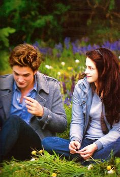 The meadow-Twilight Saga. Twilight Bella And Edward, Twilight Quotes, Twilight Saga Series, Edward Bella, Twilight New Moon, Twilight Pictures, Twilight Series, Twilight Movie, Edward Cullen