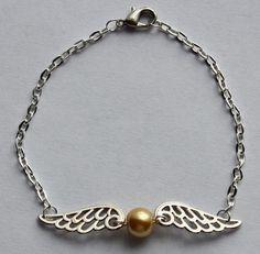 Harry Potter Hogwarts Quidditch Golden Snitch Bracelet