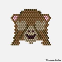 • Motif Dsimchouq • J'avais envie de faire un de mes emoji préférés en brick. #motifdsimchouq #jenfiledesperlesetjassume #jenfiledesperlesetjaimeca #perlezmoidamour #perlesaddictanonymes #perlesaddict #perlesmiyuki #miyuki #beads #miyukibeads #miyukiaddict #miyukidelica #tissage #tissageperles #perles #brickstitch