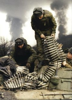 rusmilitary:  War in Chechnya. Charging a bmp guns.