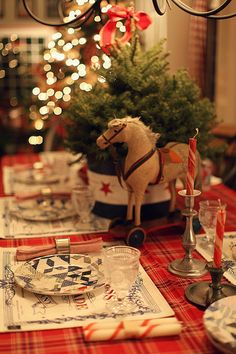 Christmas around the house http://www.pinterest.com/pin/54395107974434056/