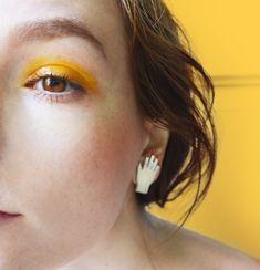 Yellow eyeshadow makeup, yellow pop of colour beauty makeup