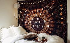 These college dorm room essentials are everything you need for your freshman dorm room. These dorm room tips are the best things to buy for your room.