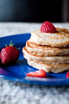 cardamom oatmeal pancakes - not a bad pancake.  maybe use a smidge less cardamom next time, and add a touch of cinnamon.  used unsweetened vanilla almond milk instead of buttermilk, and used quick cooking oats.  only about 54 calories per 1/4 c. pancake.