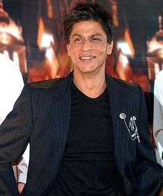 Shahrukh get luckier as he drives his i10 car!