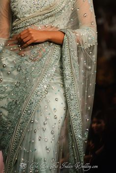 I have always loved the beading and allure of a sari. Very cool to see American brides selecting this luxe look Net sari - Aamby Valley India Fashion Week 2012 Indian Attire, Indian Wear, Indian Style, Indian Dresses, Indian Outfits, Indian Clothes, Indian Saris, Tarun Tahiliani, Indian Bridal