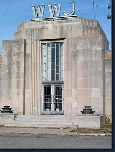 The beautiful art deco transmission facilities of WWJ radio sit beside 8 Mile in Oak Park. WWJ made America's first commercial radio broadcasts from Detroit in the 1920's. Today it operates as an all-news-all-the-time station