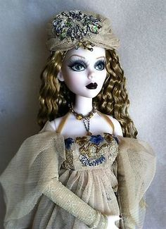 Image detail for -Tonner Evangeline Ghastly Dressed Doll Imaginary Life Complete NM LE ...