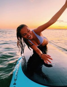 Surfing holidays is a surfing vlog with instructional surf videos, fails and big waves Beach Aesthetic, Summer Aesthetic, Summer Pictures, Beach Pictures, Beach Pics, Summer Feeling, Summer Vibes, Sup Stand Up Paddle, Summer Goals