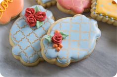 Remember this fall floral cookie set ? (Yes, you do because I can't stop talking about it.) Last week, I showed you the toothpick roses I u. Flower Cookies, Butterfly Cookies, Rose Cookies, Crazy Cookies, Cookie Bouquet, Fancy Cookies, Heart Cookies, Cookie Designs, Cookie Ideas