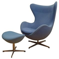 Shop lounge chairs and other antique and modern chairs and seating from the world's best furniture dealers. Small Chair For Bedroom, Bedroom Chair, Fritz Hansen, Arne Jacobsen, Cafe Chairs, Desk Chairs, Office Waiting Room Chairs, Blue Eggs, Lounge