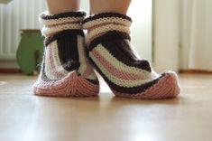 Kotikutoista: Lapikkaat Slippers, Shoes, Fashion, Moda, Zapatos, Shoes Outlet, Fashion Styles, Slipper, Shoe