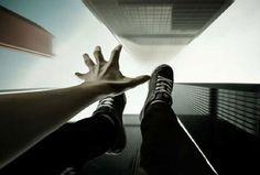 در صورت گرفتار شدن در کابین آسانسور ،چه باید کرد؟
