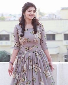 Telugu Cute Actress Athulya Ravi Beautiful Images In Traditional Wear Party Wear Maxi Dresses, Gown Party Wear, Frock Fashion, Fashion Clothes, Fashion Dresses, Long Gown Dress, Frock Dress, Long Frock, Kurta Designs Women