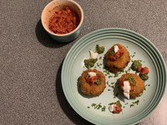 This Italian starter is made with mushroom risotto filled with white cheddar cheese and sundried tomato dipping sauce. Recipe link below Arancini balls starter freezer friendly  Sundried tomato dipping sauce Grilled Mushrooms, Stuffed Mushrooms, Stuffed Peppers, Italian Starters, Corn Flake Crumbs, White Cheddar Cheese, Arancini, Mushroom Risotto, Tomato And Cheese