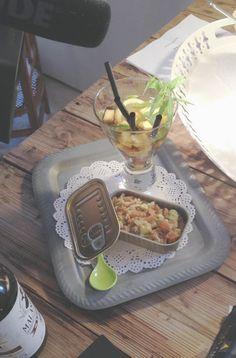 Este cocktail lo he bautizado así en honor a La Malhablada de Salamanca, ya os conté sobre ella hace un par de post. Es un trago rebelde, informal y sobre