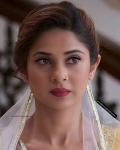Beautiful Bollywood Actress, Most Beautiful Indian Actress, Beautiful Celebrities, Beautiful Actresses, Pakistani Girls Pic, Jennifer Winget Beyhadh, Bridal Makeup Looks, Wedding Makeup, Indian Beauty Saree