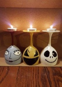 Nightmare before christmas, wine glass, candle holders, jack skellington, sally… Christmas Candle Decorations, Christmas Candle Holders, Halloween Decorations, Christmas Candles, Christmas Wine, Diy Christmas Gifts, Holiday Crafts, Handmade Christmas, Xmas