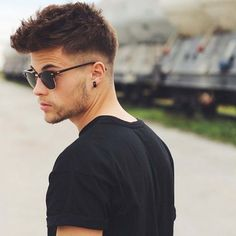 50 low fade haircuts for men - a stylish middle - Tattoo - Kurzhaar Mens Hairstyles With Beard, Slick Hairstyles, Haircuts For Long Hair, Cool Haircuts, Hair And Beard Styles, Hairstyles Haircuts, Haircuts For Men, Short Hair Cuts, Hairstyle Man