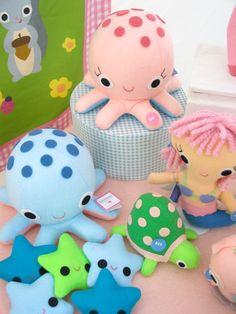 Cute Craft Tutorials, Handmade Toys, Printable Crafts, Kawaii Plush by Fantastic Toys: Powderhorn Art Fair 2010