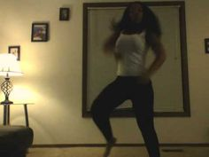 Shawntia Chicken Head Dance (snappin)