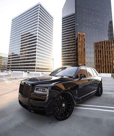 570 Likes, 2 Comments - Gulf cars Rolls Royce 4x4, Rolls Royce Wraith, Rolls Royce Phantom, Rich Cars, Rolls Royce Cullinan, Lux Cars, Cool Sports Cars, Fancy Cars, Best Luxury Cars