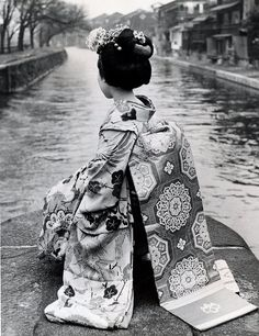 Maiko, 1966 - A Japan Air Lines, press photo. by Blue Ruin1, via Flickr