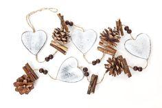 Guirlande « Coeurs & Pommes de pin » - vbs-hobby.com