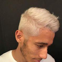 "14 Me gusta, 1 comentarios - Kult de la coiffure ✂✂✂ (@kultdelacoiffure) en Instagram: ""#menstyle#white#whitehair#decoloration#colorist#work#love"""