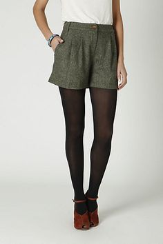 Tweed shorts with tights. Take that, winter. Winter Shorts Outfits, Spring Outfits, Short Outfits, Cute Outfits, Tweed Shorts, Anthropologie Clothing, Autumn Winter Fashion, Winter Style, Shorts With Tights