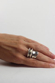 SOPHIE BUHAI, DISC AND DIMPLE RING SET.| @andwhatelse