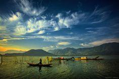 Vietnam   NẮNG SỚM CẦU HAI