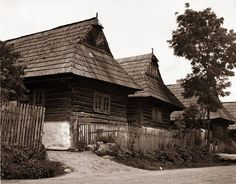 #Podbiel #Orava #Slovensko #Словакия #Slovakia Old Photography, Bratislava, Prague, Poland, Building A House, Beautiful Homes, Europe, Tours, Traditional