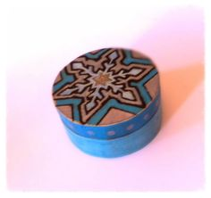 Snowflake Inspired mini box made by me! MidSummerLily x
