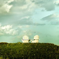 Grass / Sky / Clouds: I found these two chairs on a grass hill near Omaha beach in New Zealand. The clouds & sky have such a cool feel, they make a great background for the chairs. Several people have comment that the chairs look like two hands, umm   Viettel IDC cung cấp dịch vụ Hosting, Domain, Dedicated Server, Server Co-location,VPS, Cloud Computing …hàng đầu Việt nam với hệ thống data center đạt tiêu chuẩn Tier 3